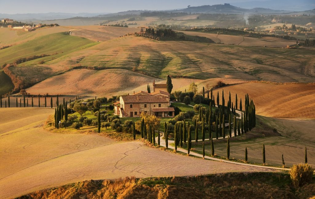 itinerari in moto in Val d'Orcia